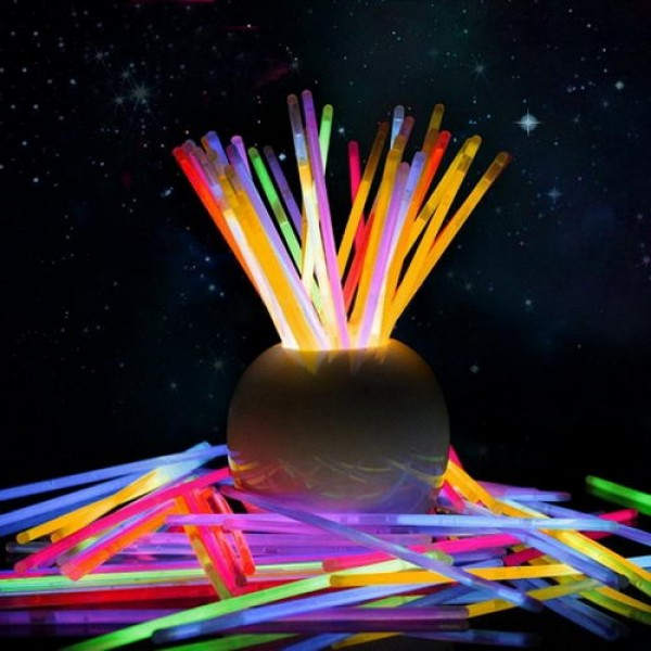 Great Party Toys   Multi Color Glow In The Dark Light Sticks For Party And Events  ~ 50pcs Amazing Ideas